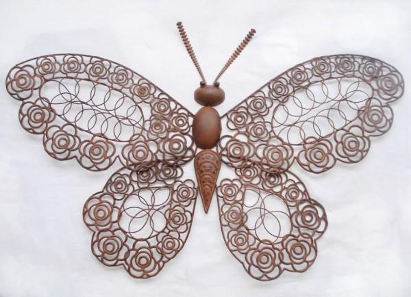 VARILANDO dekorativer Schmetterling aus Metall in Rost-Optik Wanddekoration 72 cm